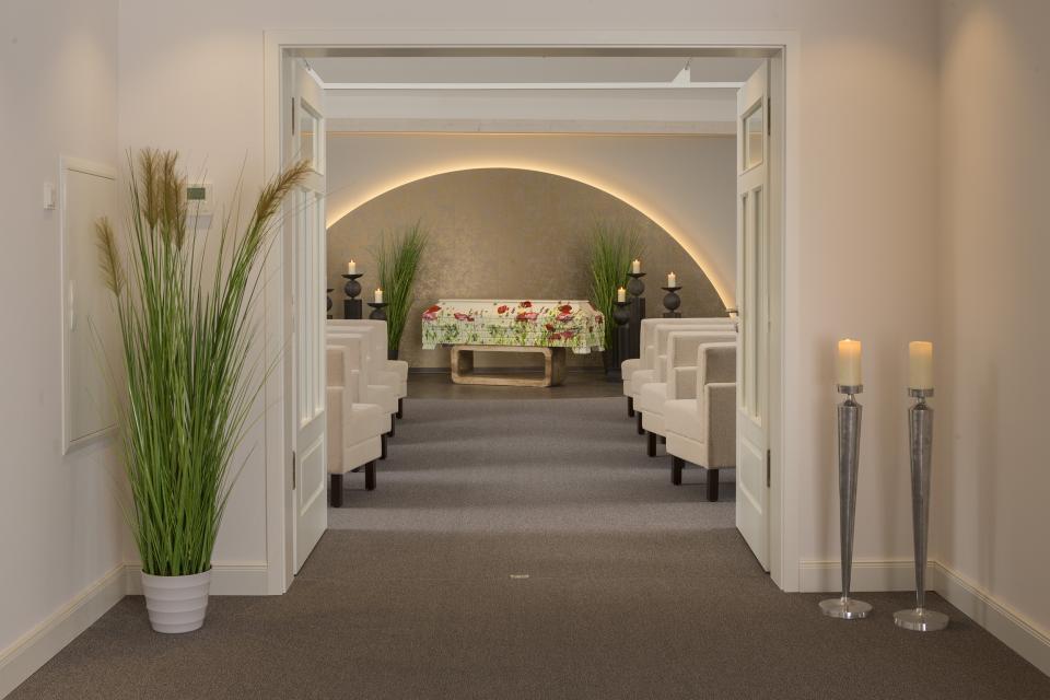 Eingang Trauerhalle