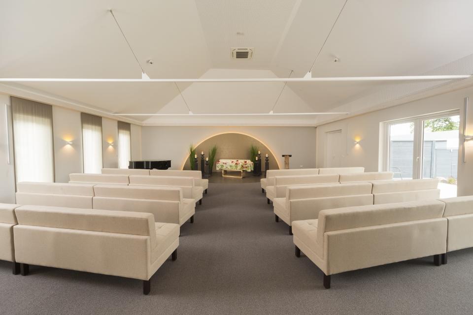 Die Trauerhalle (115 Sitzplätze/200 Personen)